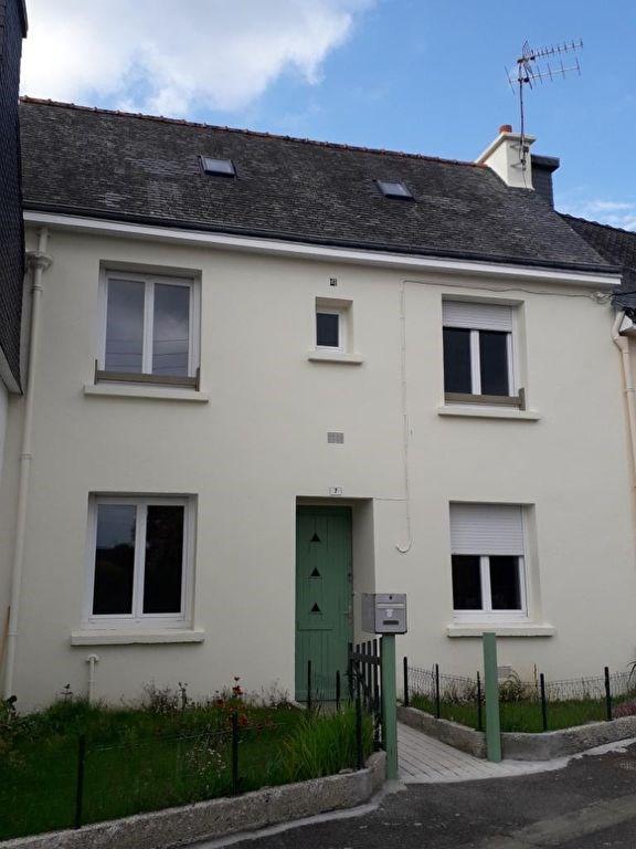 Rental house / villa Querrien 409€ CC - Picture 1