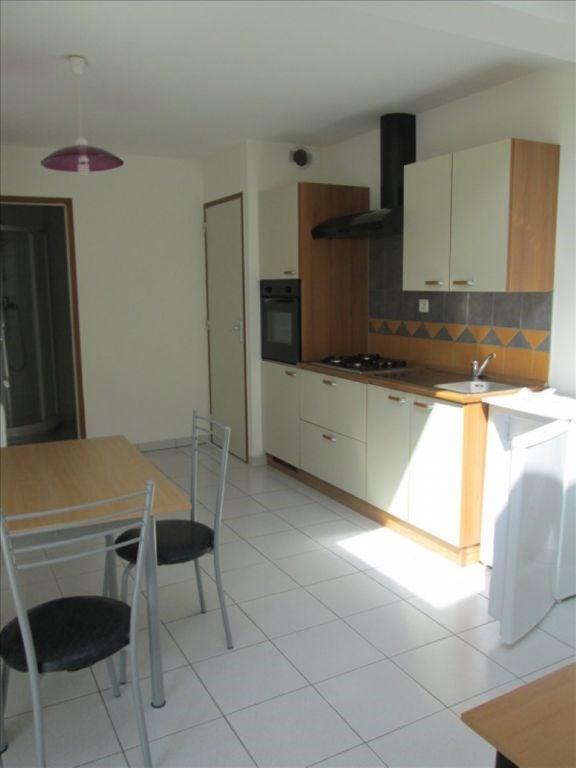 Location appartement Cholet 415€ CC - Photo 2