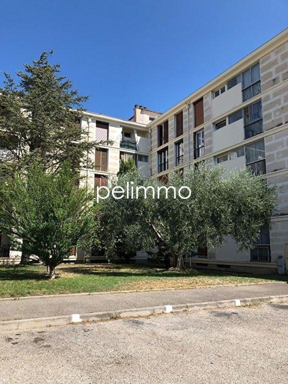 Appartement Salon De Provence 3 pièce (s) 59.48 m²
