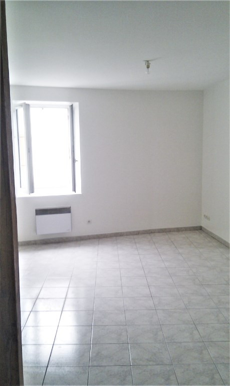 Rental apartment Tigy 394€ CC - Picture 2