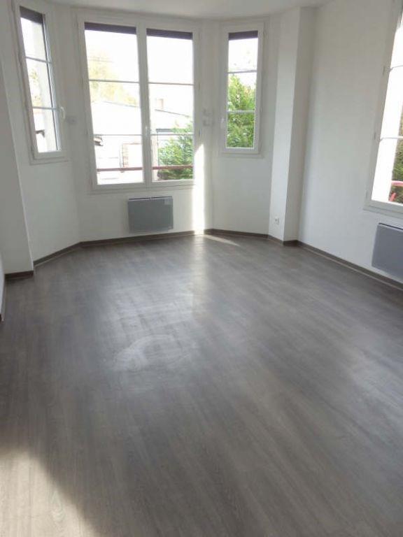 Locação apartamento La norville 790€ CC - Fotografia 1