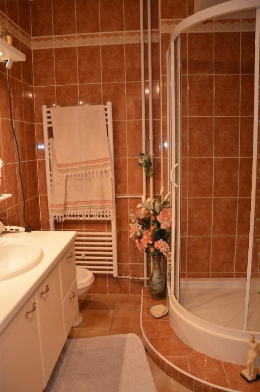 Sale apartment Toulon 268000€ - Picture 5