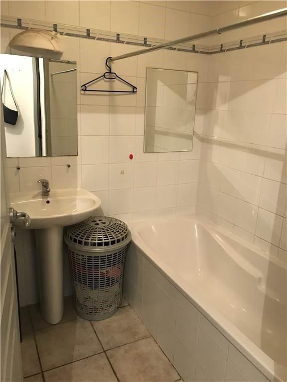 Location appartement Villefranche-de-rouergue 315€ CC - Photo 3