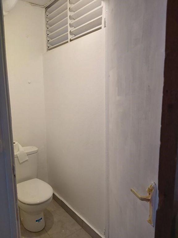 Location appartement Pointe a pitre 745€ CC - Photo 5