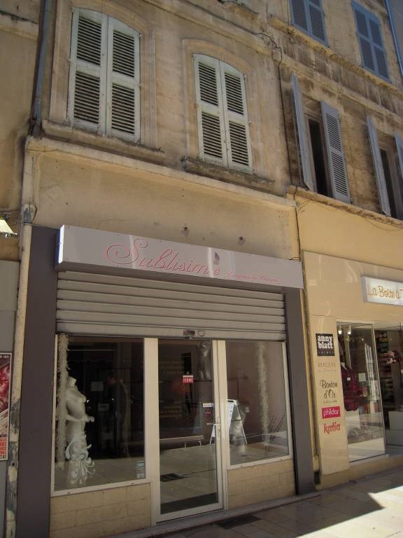 Rental office Avignon 877€ CC - Picture 1