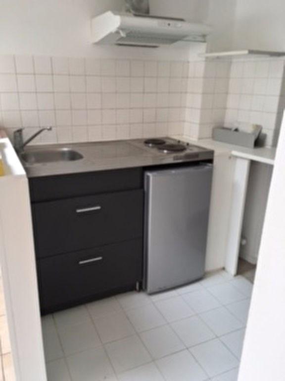 Rental apartment Chatou 875€ CC - Picture 2