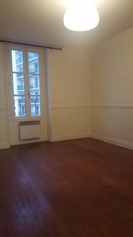 Location appartement Saint germain en laye 774€ CC - Photo 3