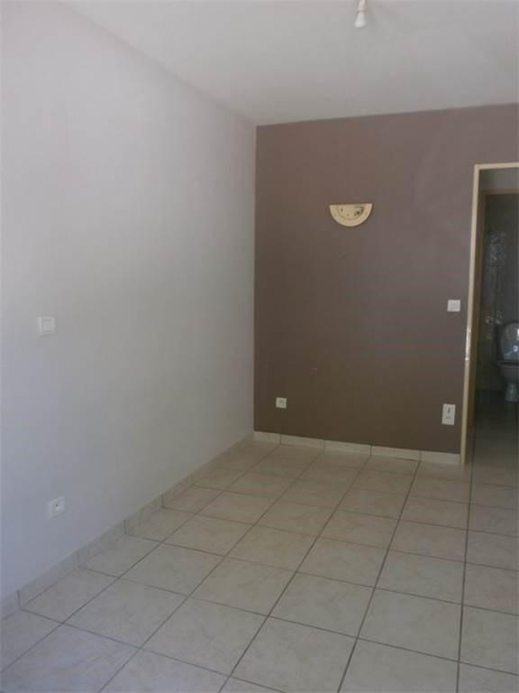 Rental apartment Sebazac 230€ CC - Picture 1