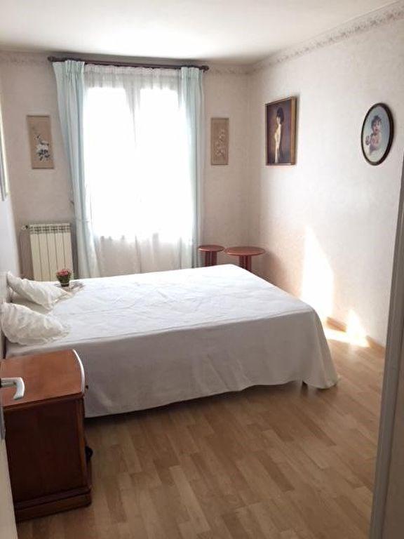 Sale apartment La rochelle 138000€ - Picture 4