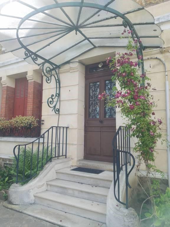 Sale house / villa Arpajon 498000€ - Picture 1