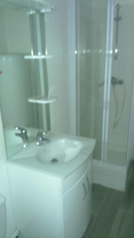 Location appartement Saint quentin 355€ CC - Photo 5