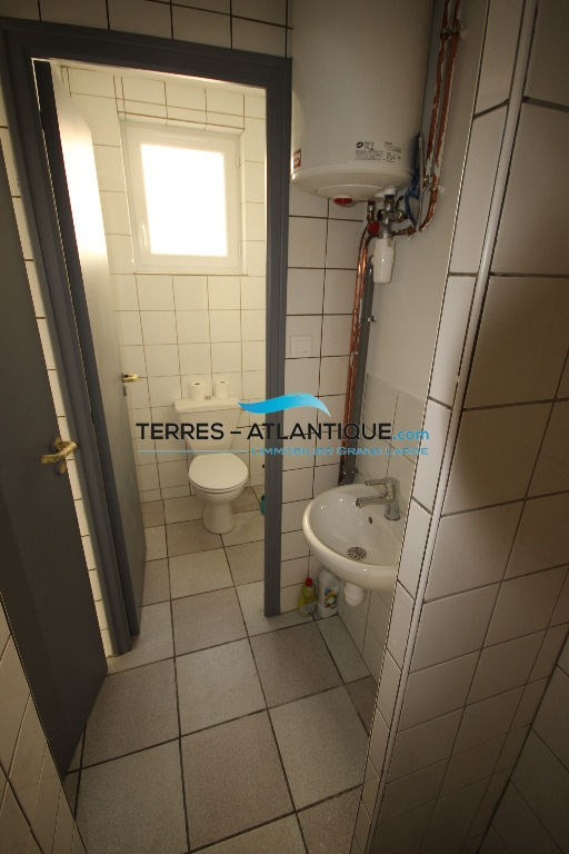 Location local commercial Quimper 1 150€ CC - Photo 3