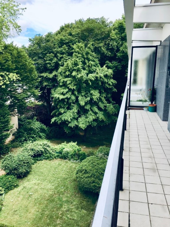 Sale office Saint germain en laye 676000€ - Picture 1