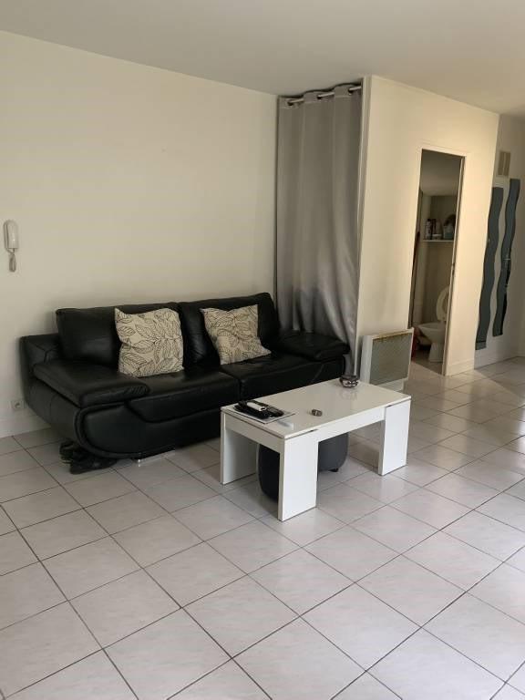 Rental apartment Breuillet 641€ CC - Picture 2