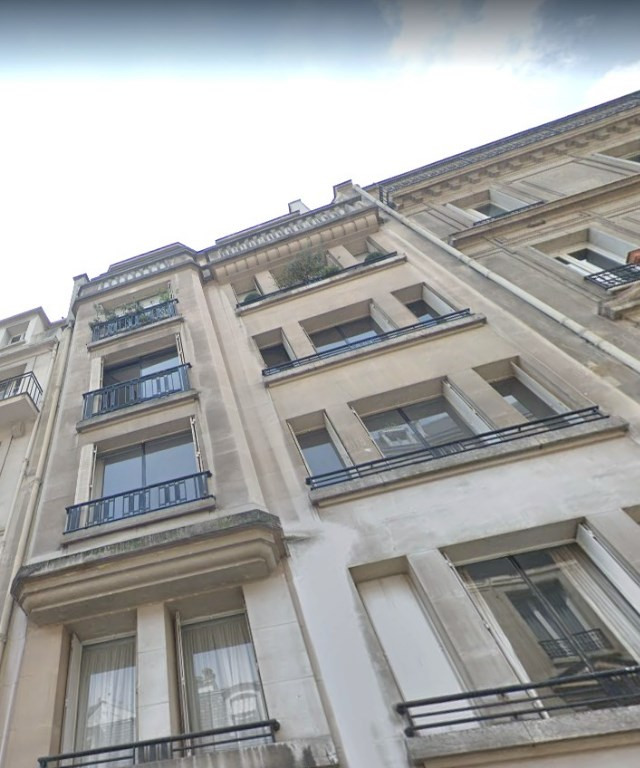 Location appartement Paris 16ème 1 888€ CC - Photo 1
