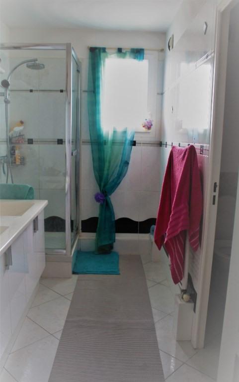 Sale apartment Lambesc 550000€ - Picture 10