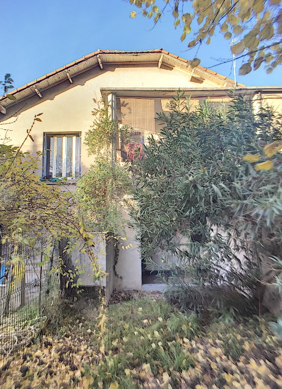 Sale house / villa Avignon 233 000€ - Picture 1