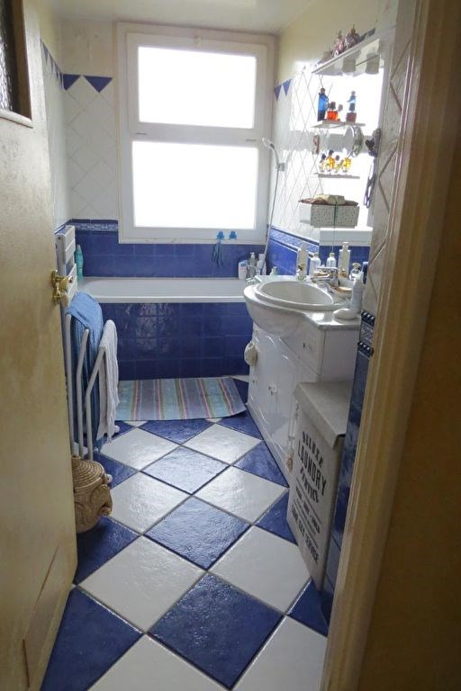 Sale apartment Le mesnil le roi 270000€ - Picture 4