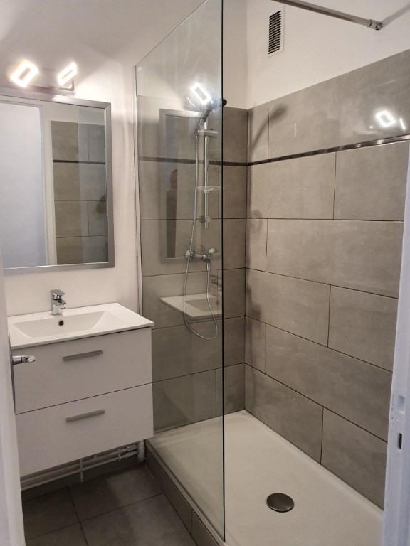Location appartement Aix en provence 760€ CC - Photo 2
