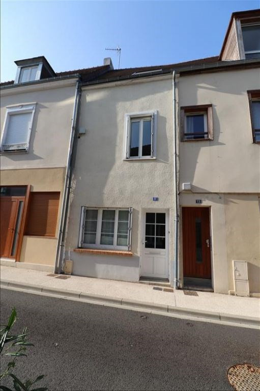 Location maison / villa Courville sur eure 560€ CC - Photo 1