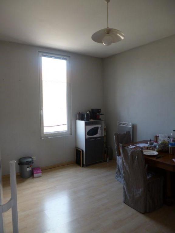Location appartement Saintes 410€ CC - Photo 2