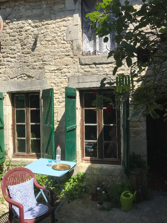 Sale house / villa Thaire 181900€ - Picture 8