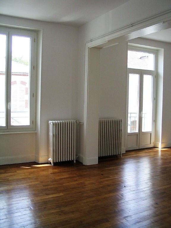 Investment property building Montlucon 145 000€ - Picture 3