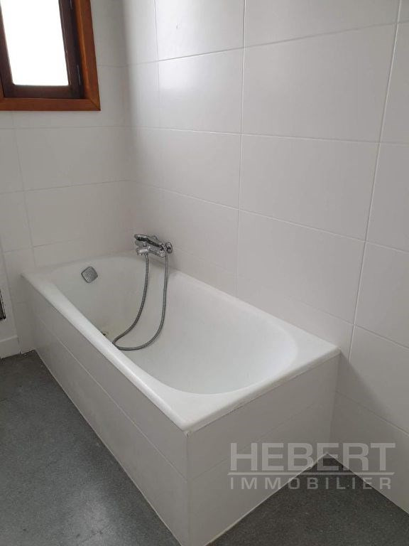 Rental apartment Sallanches 960€ CC - Picture 9