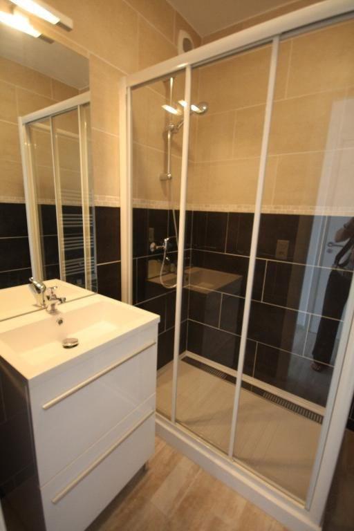 Location appartement Juan-les-pins 575€ CC - Photo 4