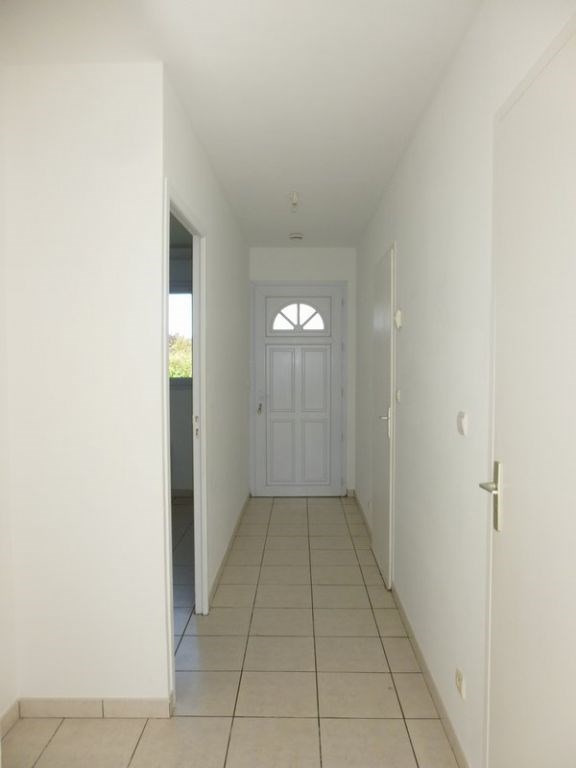 Location maison / villa Grentheville 762€ CC - Photo 7