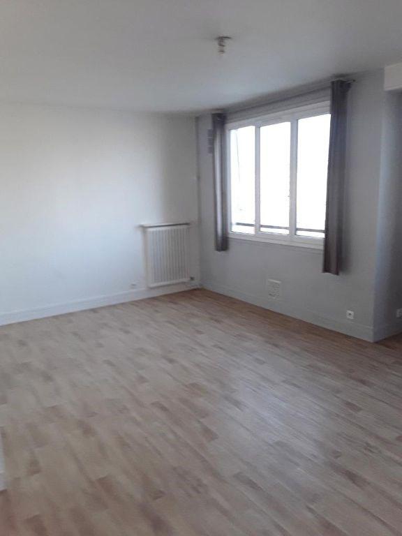 Location appartement Le kremlin bicetre 825€ CC - Photo 4