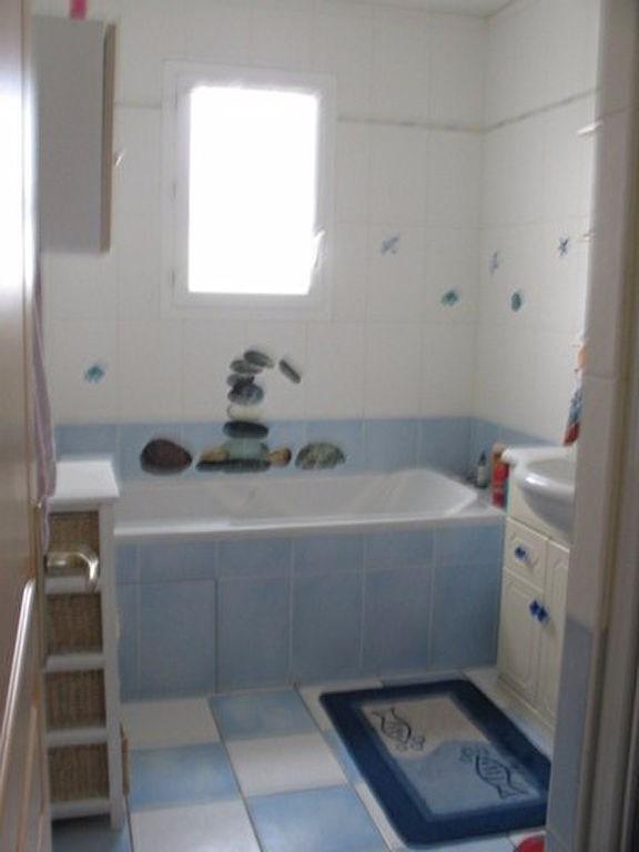 Sale house / villa Chaillevette 225000€ - Picture 4
