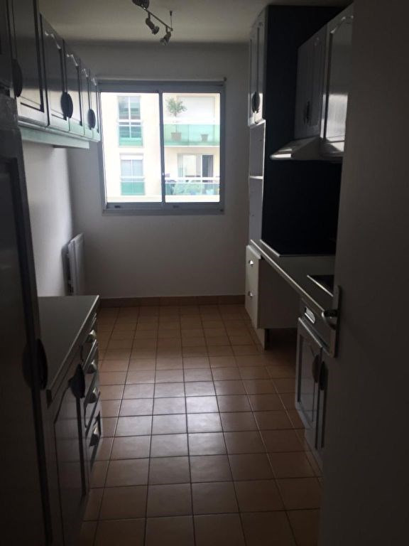 Location appartement Levallois perret 1 933€ CC - Photo 5