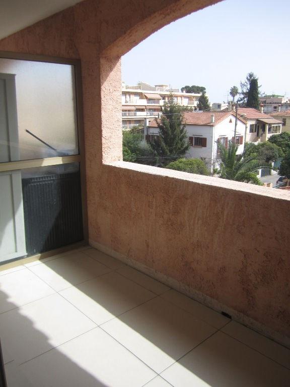 Location appartement Cagnes sur mer 640€ CC - Photo 3