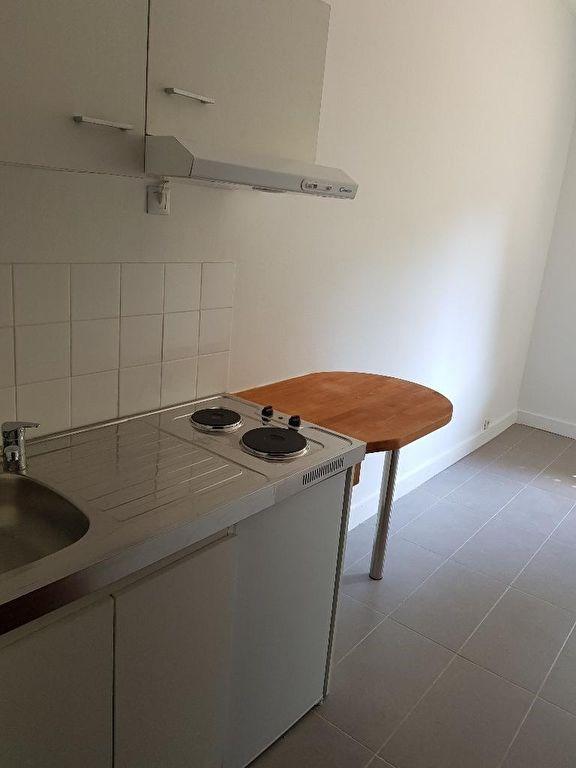 Location appartement Neuilly sur seine 655€ CC - Photo 4