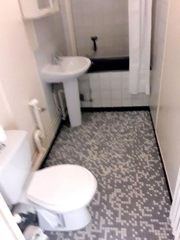 Location appartement Le kremlin bicetre 825€ CC - Photo 5
