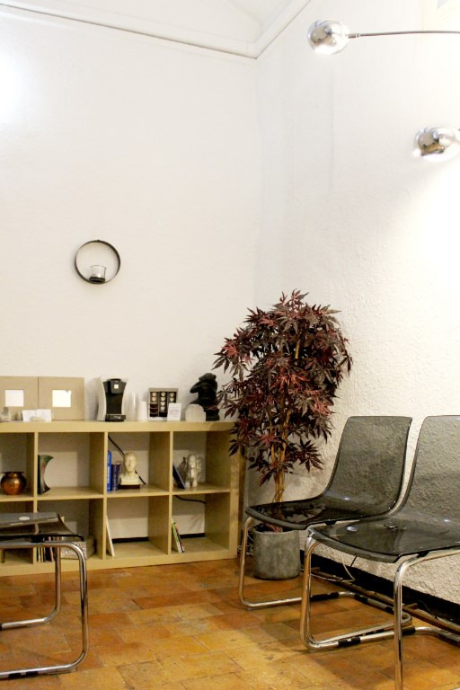Location local commercial Lambesc 715€ HC - Photo 6