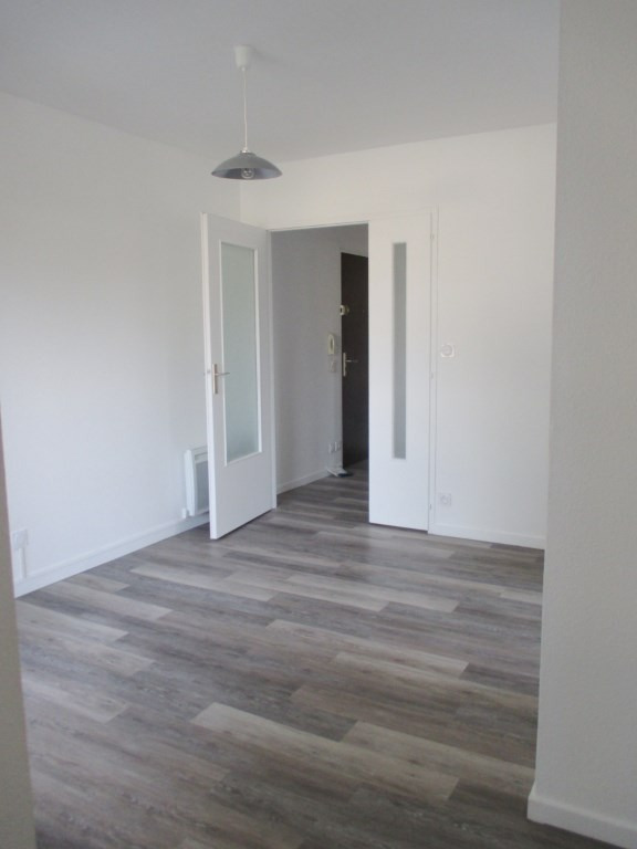 Location appartement Lucon 370€ CC - Photo 2