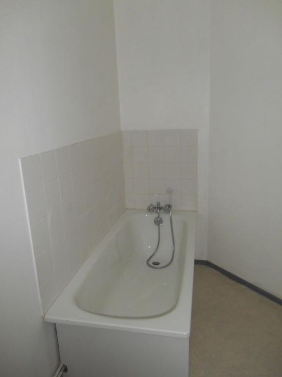 Location appartement Saint quentin 292€ CC - Photo 5