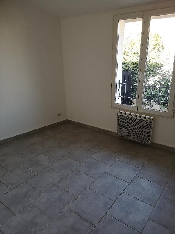 Location appartement Carnoules 715€ CC - Photo 4