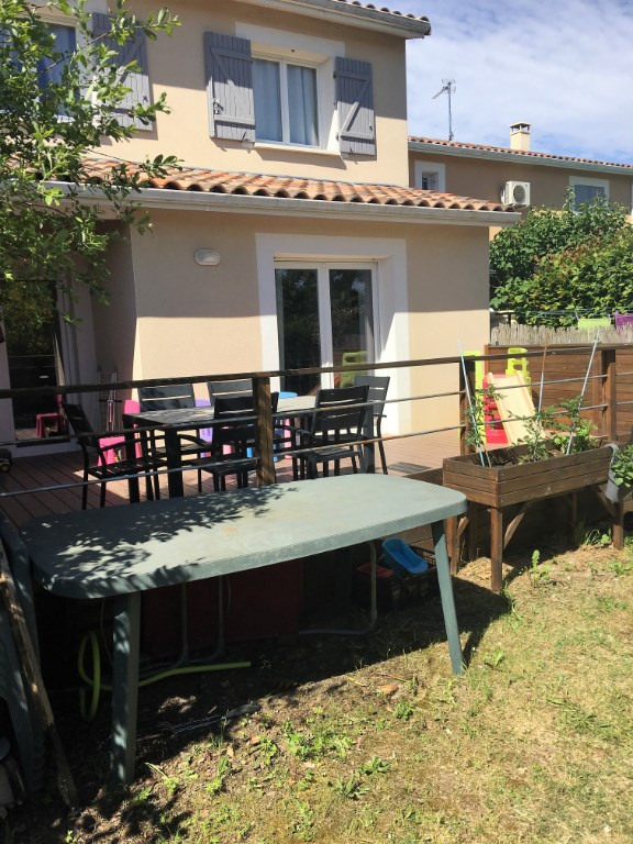 Sale house / villa Daux 235000€ - Picture 1