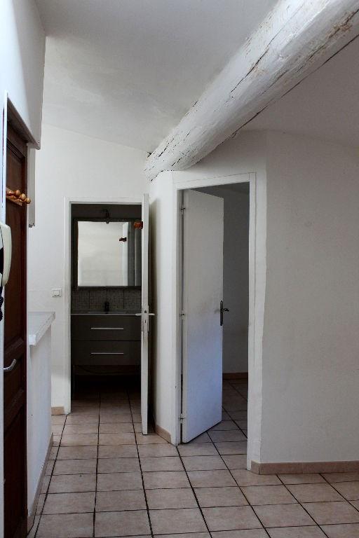 Rental apartment Lambesc 520€ CC - Picture 4