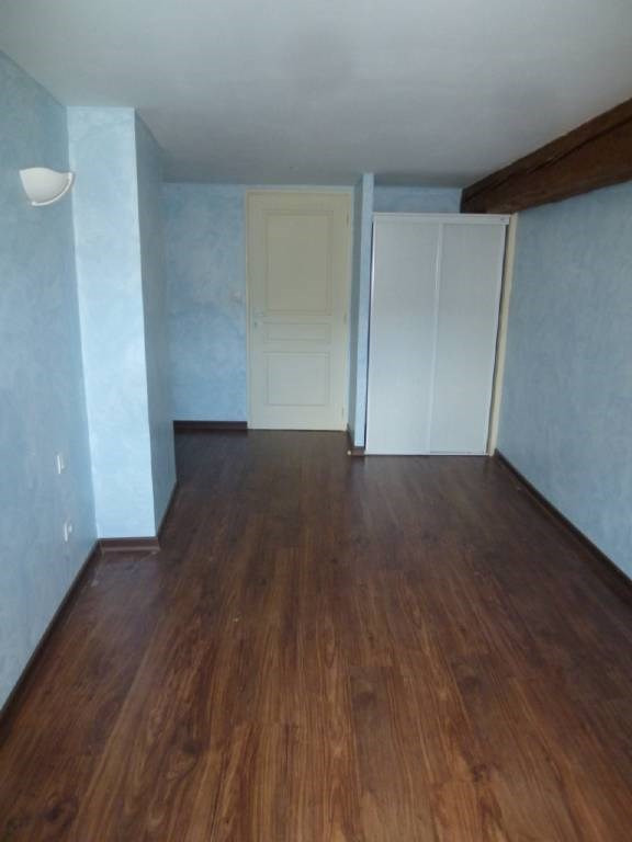 Location appartement Rives 460€ CC - Photo 4
