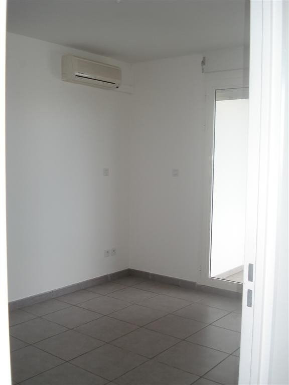 Location appartement Ste clotilde 600€ CC - Photo 2