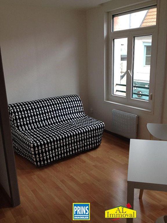 Rental apartment Saint omer 330€ CC - Picture 2