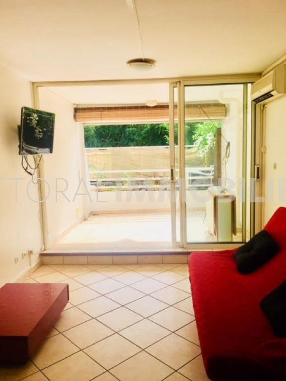 Rental apartment St gilles les bains 680€ CC - Picture 1