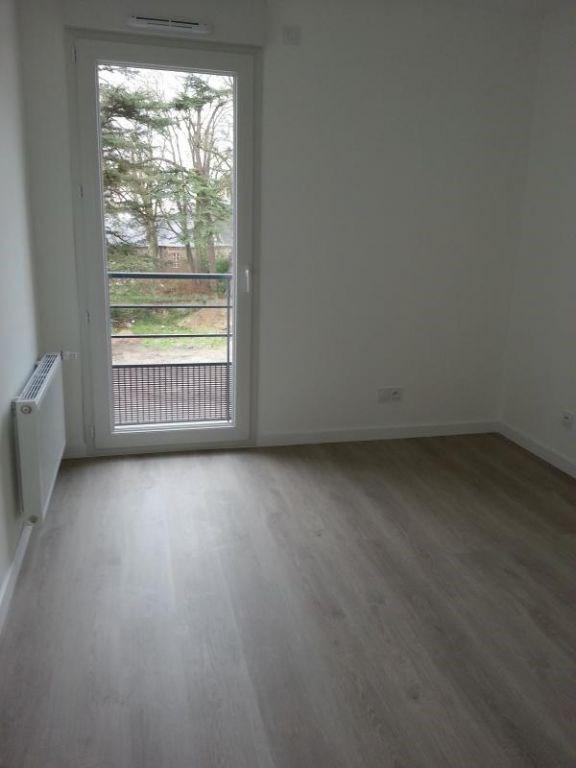 Rental apartment Laval 604€ CC - Picture 8