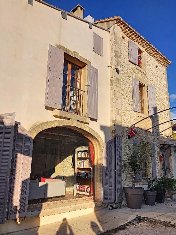 Sale house / villa Aramon 480000€ - Picture 1