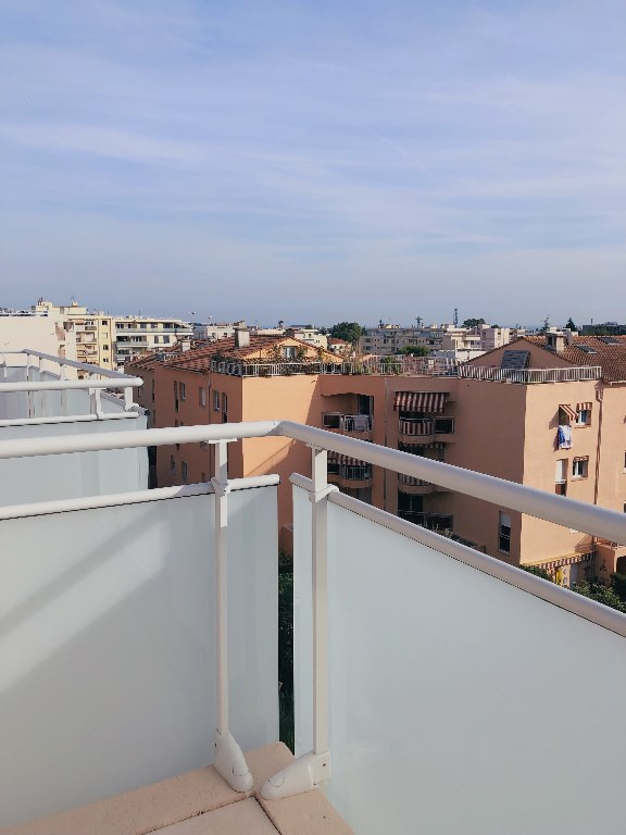 Vente appartement Saint laurent du var 360 000€ - Photo 1