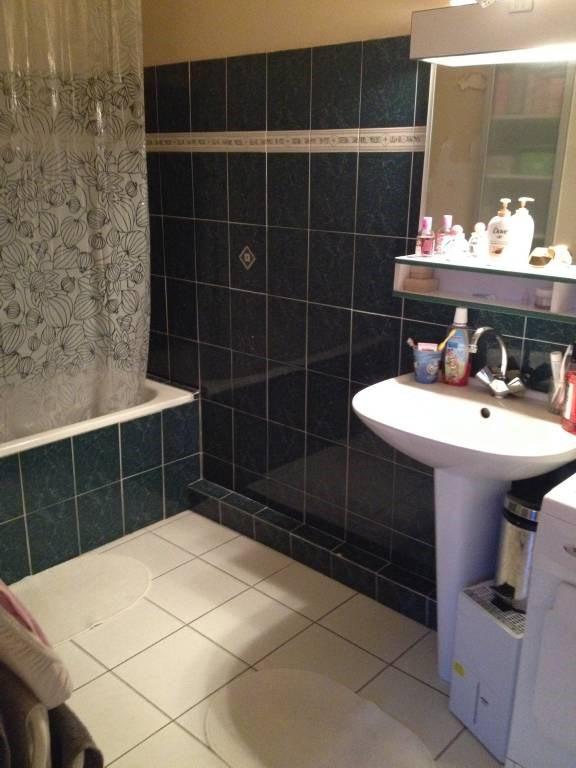 Rental apartment La ville-du-bois 796€ CC - Picture 7